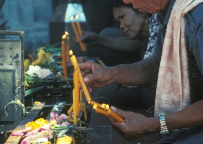 thai_man_candles